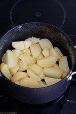 Selbstgemachter Kartoffelpüree mit Milch und Butter - www.emmikochteinfach.de