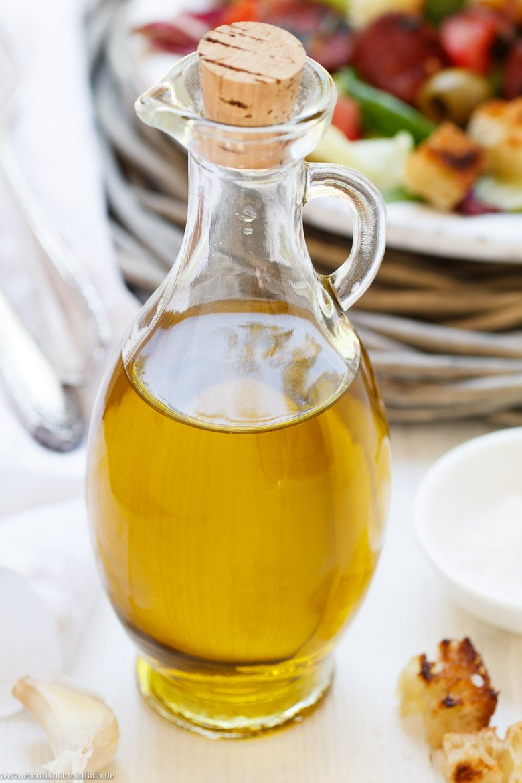 Gutes Olivenöl ist entscheidend beim Salat - www.emmikochteinfach.de