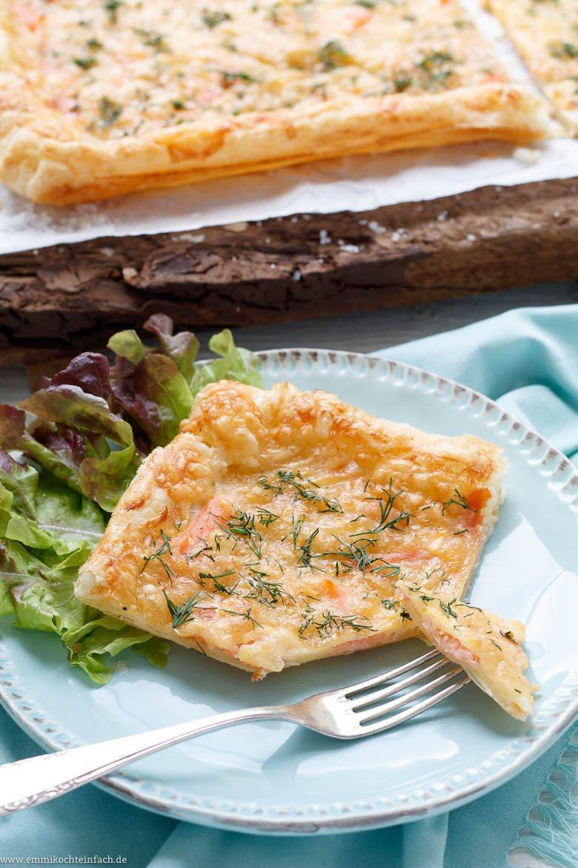 Schnelle Blätterteig Pizza mit Räucherlachs und Dill - www.emmikochteinfach.de