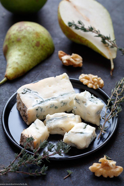 Mini-Quiche mit Gorgonzola, Birnen und Walnüssen - www.emmikochteinfach.de