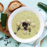 Zucchini Suppe mit Bratwurstbrät-Bällchen - www.emmikochteinfach.de