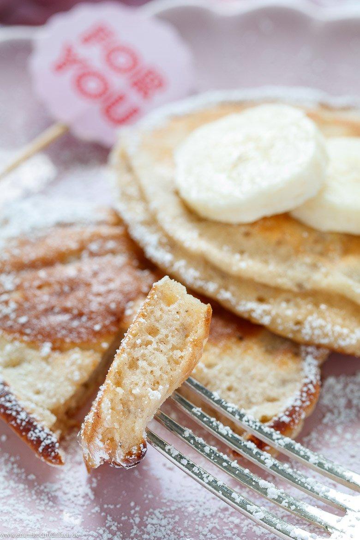 Fluffige Pfannkuchen ganz einfach gemacht - www.emmikochteinfach.de