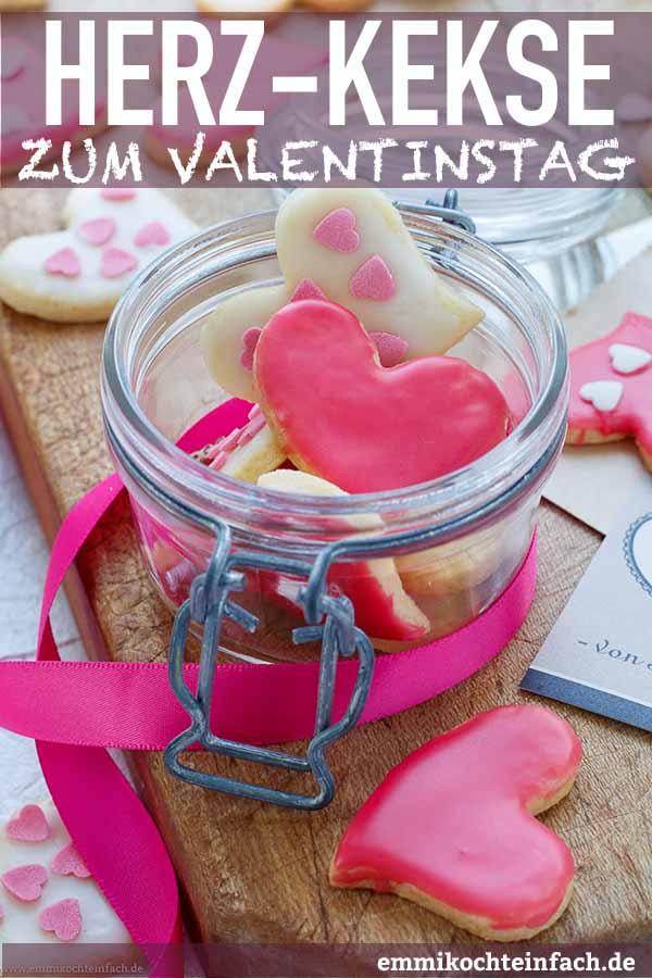 Herzkekse zum Valentinstag ganz einfach - www.emmikochteinfach.de
