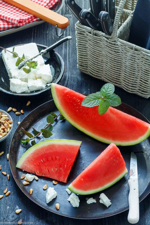 Wassermelonensalat - wenige Zutaten sind notwendig - www.emmikochteinfach.de