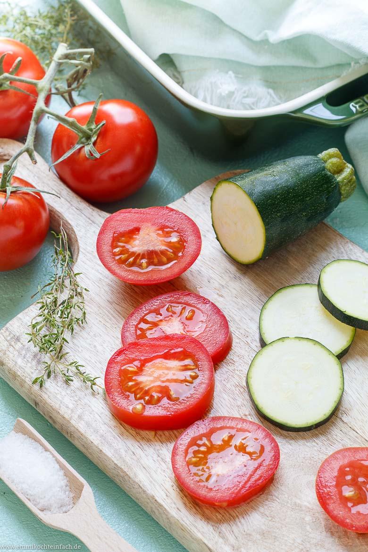 Zutaten für einen sommerlichen Gemüse Auflauf - www.emmikochteinfach.de