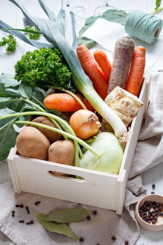 Frisches Gemüse für die Suppe - www.emmikochteinfach.de