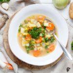 Klare Suppe mit Gemüse - www.emmikochteinfach.de