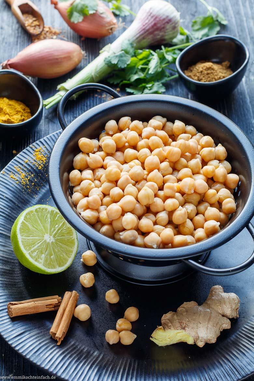 Schnelles Kichererbsen Curry - www.emmikochteinfach.de