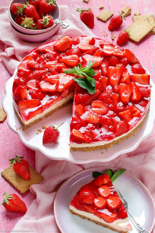 Pudding Erdbeerkuchen ohne Backen - www.emmikochteinfach.de