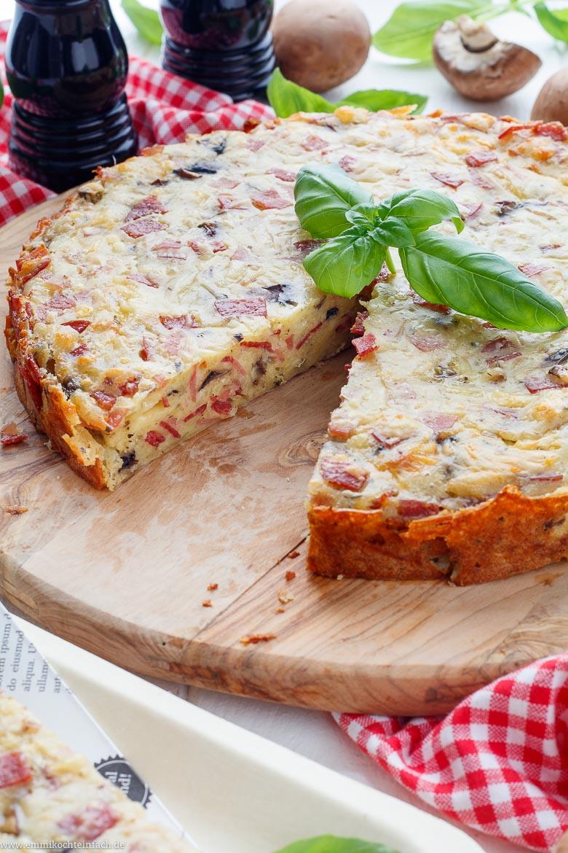 Einfacher Pizzakuchen - herzhaft lecker - www.emmikochteinfach.de